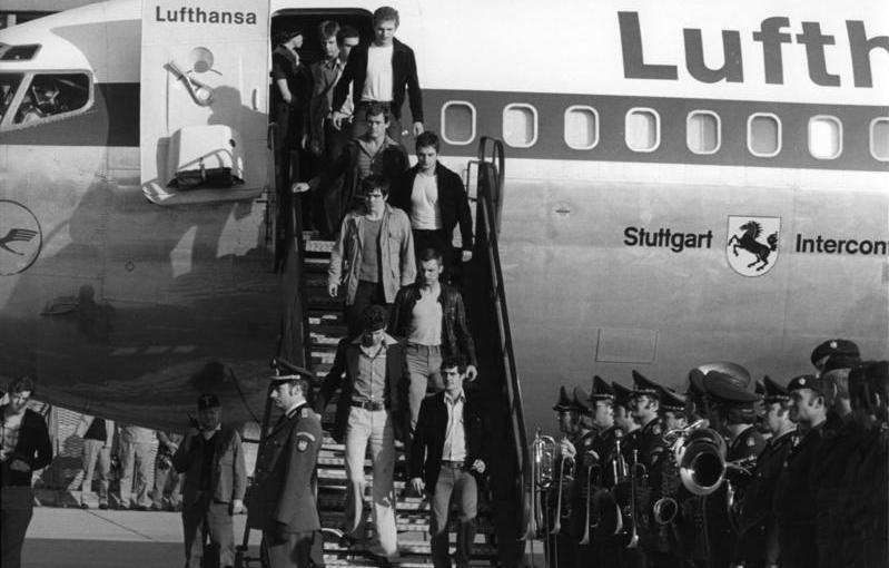 13 Ekim 1977 * FHKC UçakKaçırdı
