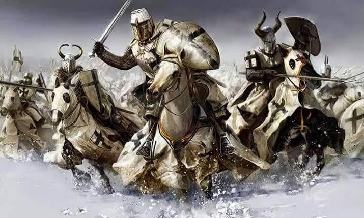 13 Ekim 1307 * Tapınak ŞövalyeleriYakıldı